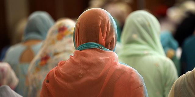सुप्रीम कोर्ट ने महिलाओं को भी पुरुषों के साथ मस्जिद में नमाज अदा करने की याचिका पर नोटिस जारी किया