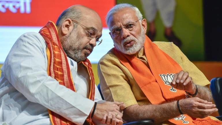 PM और शाह पर आचार संहिता के उल्लंघन की शिकायतों पर 6 मई तक फैसला करे चुनाव आयोग : सुप्रीम कोर्ट