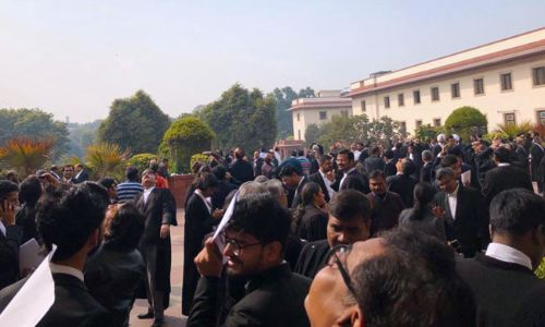 क्या वकीलों को है विरोध प्रदर्शन या न्यायालय का बहिष्कार करने का अधिकार?