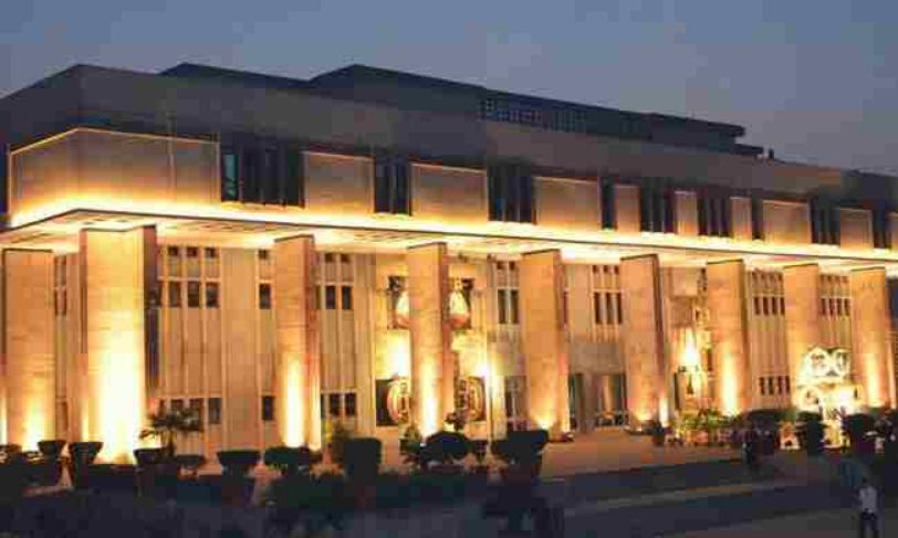 IBC की कार्यवाही में लंबित स्थगन में लेनदार को समझौता डिक्री की संतुष्टि के लिए  प्राथमिकता नहीं दी जा सकती, पढ़िए दिल्ली हाईकोर्ट का फैसला