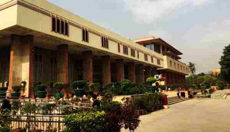 जांच शुरू करने में 13 साल की अकारण देरी ने अनुशासनात्मक कार्रवाई को बाधित किया, पढ़िए दिल्ली हाईकोर्ट का फैसला