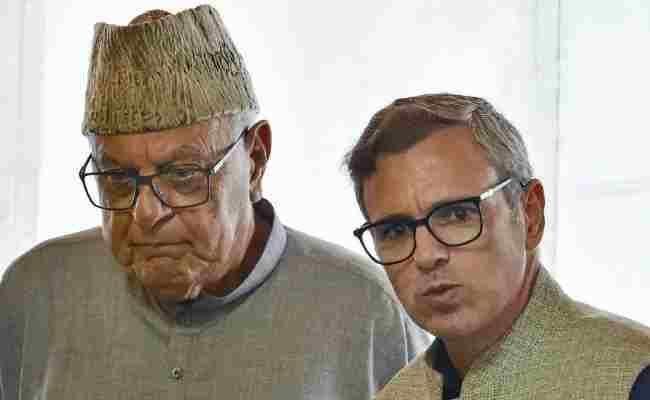 जम्मू और कश्मीर उच्च न्यायालय ने दो सांसदों को फारूक अब्दुल्ला और उमर अब्दुल्ला से मिलने की अनुमति दी, प्रेस से न मिलने की रखी शर्त