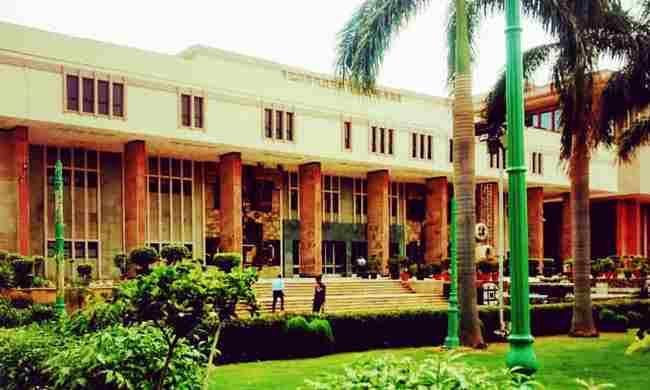 जब सुप्रीम कोर्ट ने PIL दाखिल करने पर रोक लगाई हो तो याचिका पर सुनवाई नहीं कर सकते : दिल्ली हाईकोर्ट