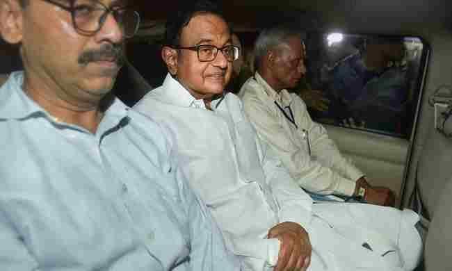 चिदंबरम की  हिरासत 3 अक्टूबर तक बढ़ी, वकील ने कहा, बीमार हैं चिदंबरम
