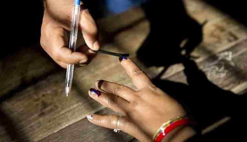आरक्षित सीट : चुनाव की तारीख के 12 महीने में जाति वैधता प्रमाण पत्र दाखिल करें प्रत्याशी, वरना पूर्वव्यापी बर्खास्तगी होगी : बॉम्बे हाईकोर्ट