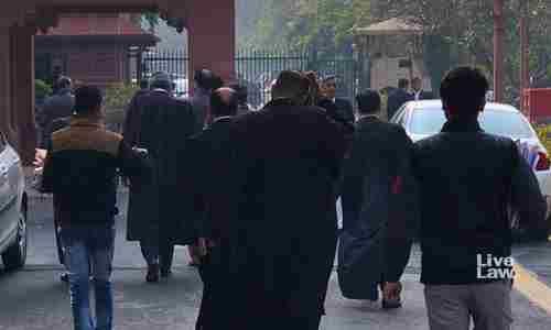 दिल्ली बार काउंसिल ने विज्ञापन करने के खिलाफ अधिवक्ताओं को चेतावनी दी, दो वकीलों और एक एनजीओ के खिलाफ कार्रवाई