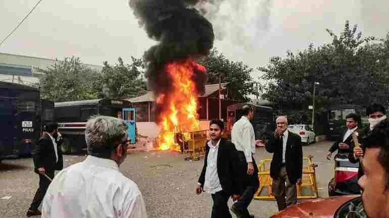 उपद्रव और हिंसा का बार में कोई स्थान नहीं है, बीसीआई ने दिल्ली  के सभी बार एसोसिएशनों से कार्य पर लौटेने को कहा
