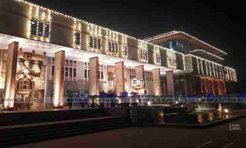 अदालत में नारेबाज़ी की घटना पर दिल्ली हाईकोर्ट मामले को देखने के लिए समिति बनाने पर सहमत