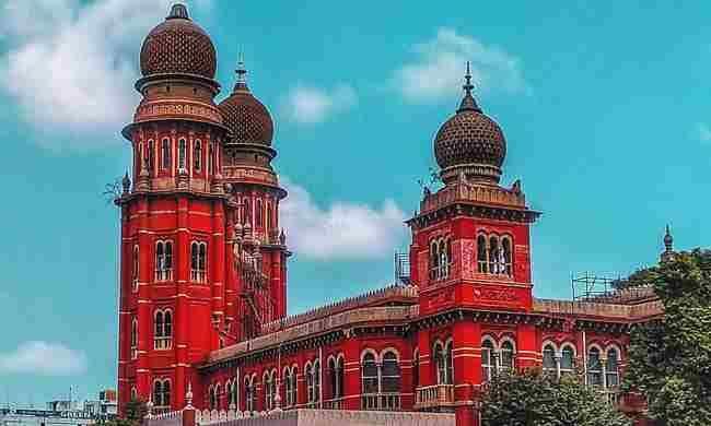 छात्रों के साथ यौन संबंध के आरोप में प्रिंसिपल की सेवाएं समाप्त करने के फैसले को मद्रास हाईकोर्ट ने बरकरार रखा