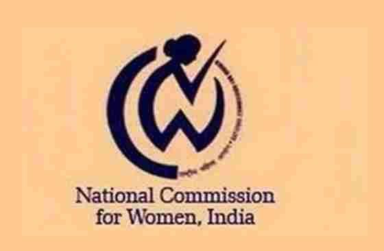 भुज में छात्राओं के अंतर्वस्त्र की  जांच के मामले में अब वकील ने भी की महिला आयोग में शिकायत, कड़ी कार्रवाई की मांग