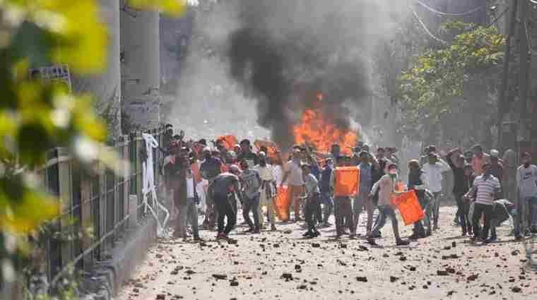 दिल्ली हिंसा : पीड़ितों के पुनर्वास उपाय की मांग वाली याचिका पर दिल्ली हाईकोर्ट ने पुलिस से अनुपालन रिपोर्ट मांगी