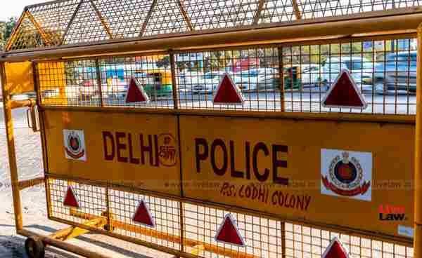 130 साल पुरानी मस्जिद के प्रवेश द्वार से 10 मीटर पहले लगाए जाएंं बैरिकेड्स, ताकि  उपासकों को न हो कोई परेशानी : दिल्ली हाईकोर्ट ने दिल्ली पुलिस से कहा