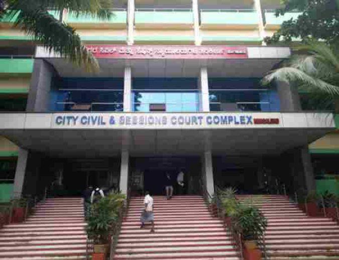 लॉकडाउन : बेंगलुरु के एडवोकेट एसोसिएशन ने अधिवक्ताओं को अपने ऑफ़िस आने-जाने की अनुमति के लिए डीजीपी को पत्र लिखा