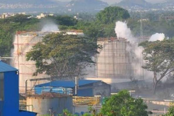 विशाखापट्टनम गैस लीक: सुप्रीम कोर्ट ने NGT के जांच कमेटी के गठन के आदेश में दखल देने से इनकार किया, NGT के पास जाने को कहा
