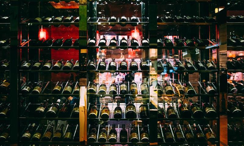शराब पर 70% विशेष कोरोना फ़ीस लगाने के फ़ैसले को चुनौती देने वाली याचिका पर दिल्ली हाईकोर्ट ने नोटिस जारी किया