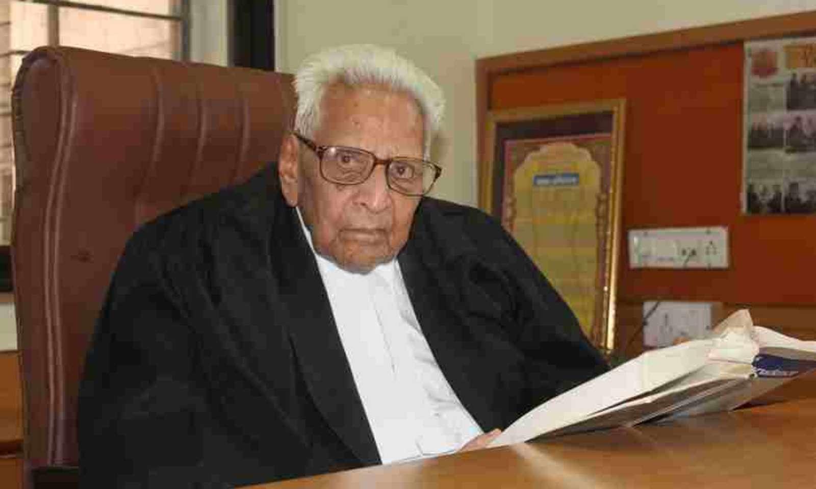 नए वकीलों को अपने कार्यों से अपनी गंभीरता का परिचय देना चाहिए', 100 वर्षीय  वकील लेखराज मेहता से लाइव लॉ की ख़ास बातचीत | interview with advocate lekhraj  mehta