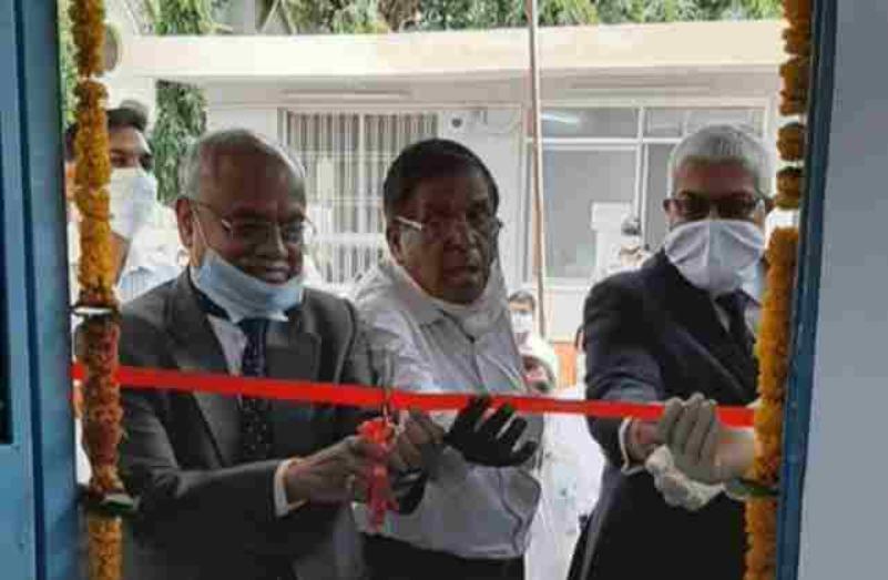 मध्य प्रदेश हाईकोर्ट में मुख्य न्यायाधीश ने वकीलों की सुविधा के लिए बने ई-सेवा केंद्र का उद्घाटन किया