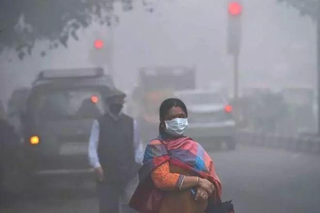 नागरिक ताजा हवा में सांस लेने के हकदार है: एनजीटी ने दिल्ली एनसीआर में पटाखों की बिक्री / उपयोग पर प्रतिबंध लगाया