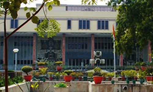 दिल्ली हाईकोर्ट ने ठहराया बिहार सरकार को एक आईएएस अधिकारी के जीवन व स्वतंत्रता को पीड़ित या अत्याचार करने के लिए जिम्मेदार [निर्णय पढ़े]