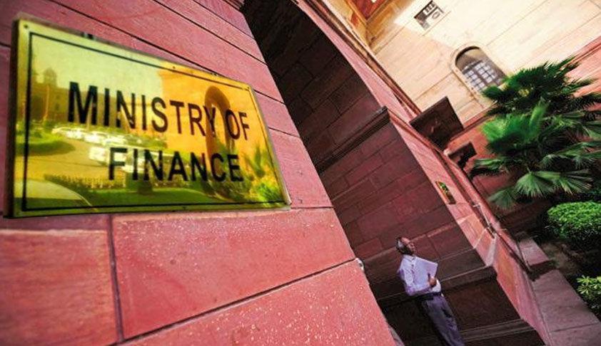 COVID-19 के कारण वित्तीय वर्ष का विस्तार नहीं, वित्त मंत्रालय ने फर्ज़ी खबर का खंडन किया