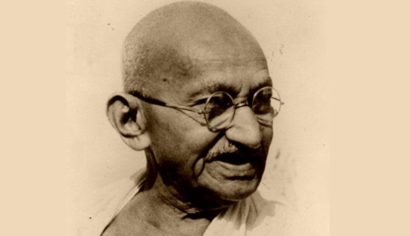 महात्मा गांधी की हत्या की दोबारा जांच की मांग वाली पुनर्विचार याचिका भी  सुप्रीम कोर्ट ने खारिज की