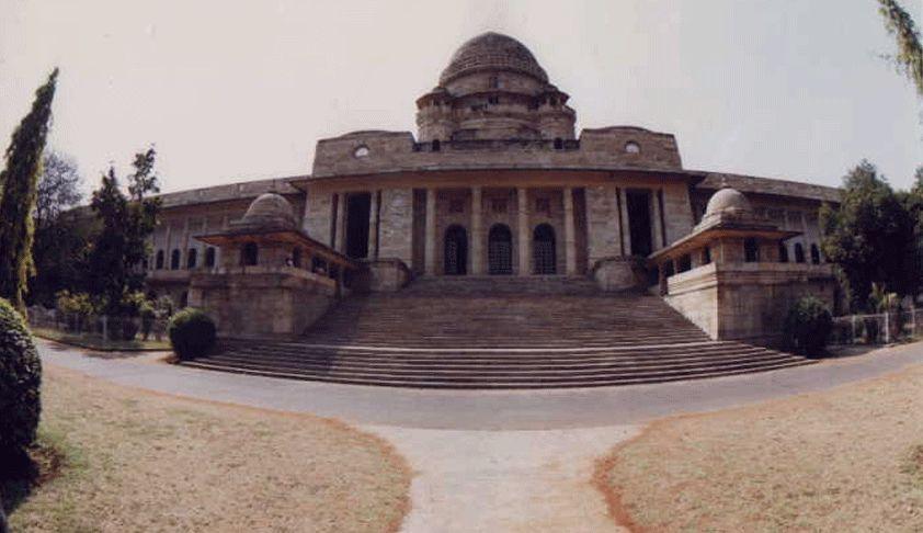 वित्तीय अभाव घरेलू हिंसा अधिनियम के तहत आर्थिक उत्पीड़न है : बॉम्बे हाईकोर्ट [निर्णय पढ़े]