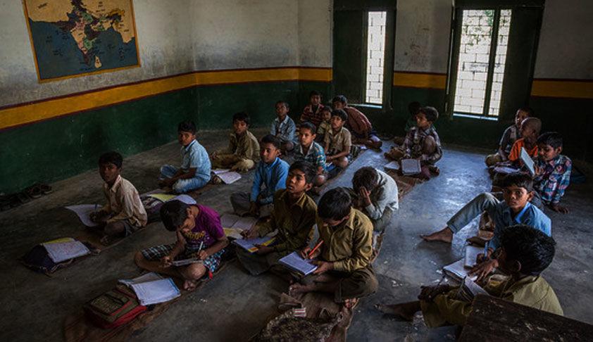 सरकारी स्कूलों में पढ़ने वाले समाज के कमजोर वर्ग के छात्रों को प्राइवेट स्कूल के छात्रों के समान गुणवत्ता वाली शिक्षा प्रदान की जानी चाहिएः मद्रास हाईकोर्ट
